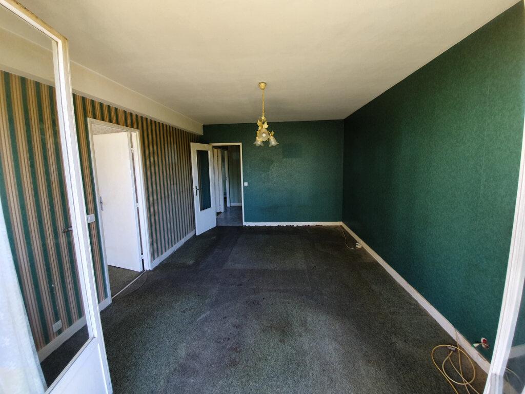Appartement à vendre 3 60m2 à Veneux-les-Sablons vignette-3