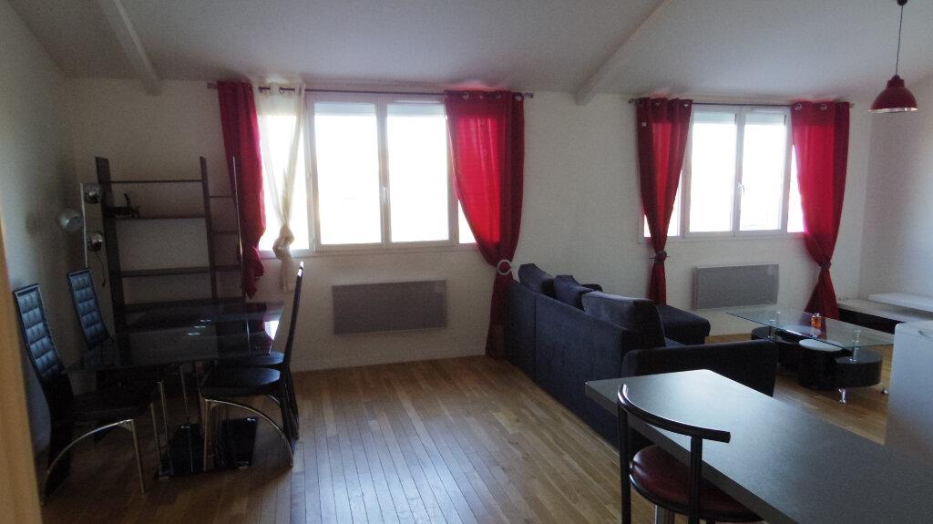 Appartement à louer 2 53m2 à Champagne-sur-Seine vignette-1