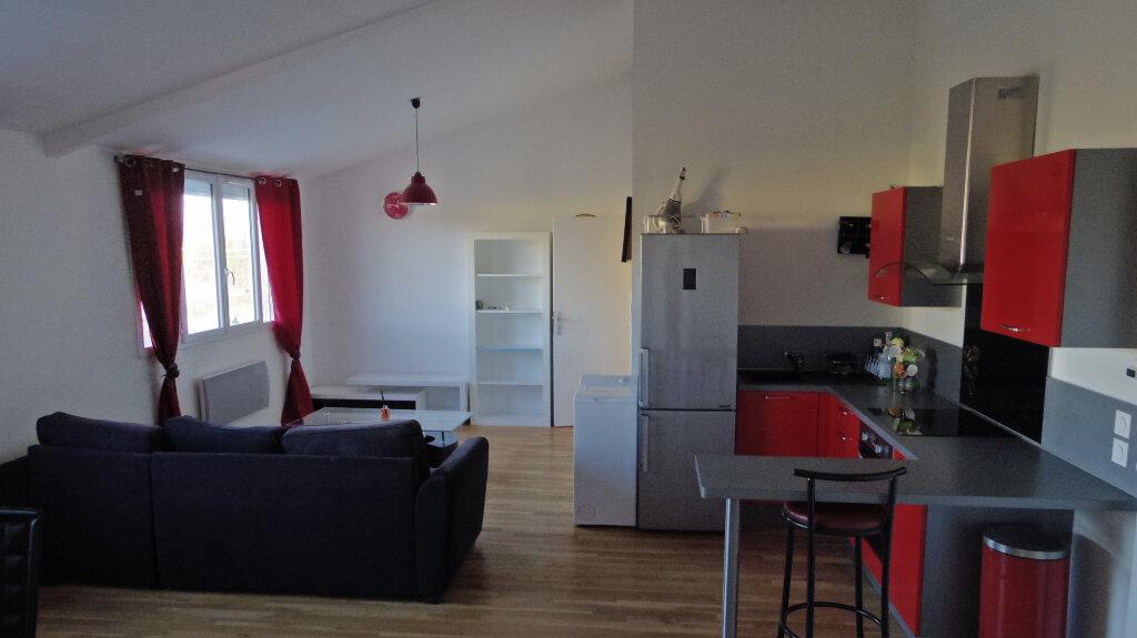 Appartement à louer 2 53m2 à Champagne-sur-Seine vignette-2