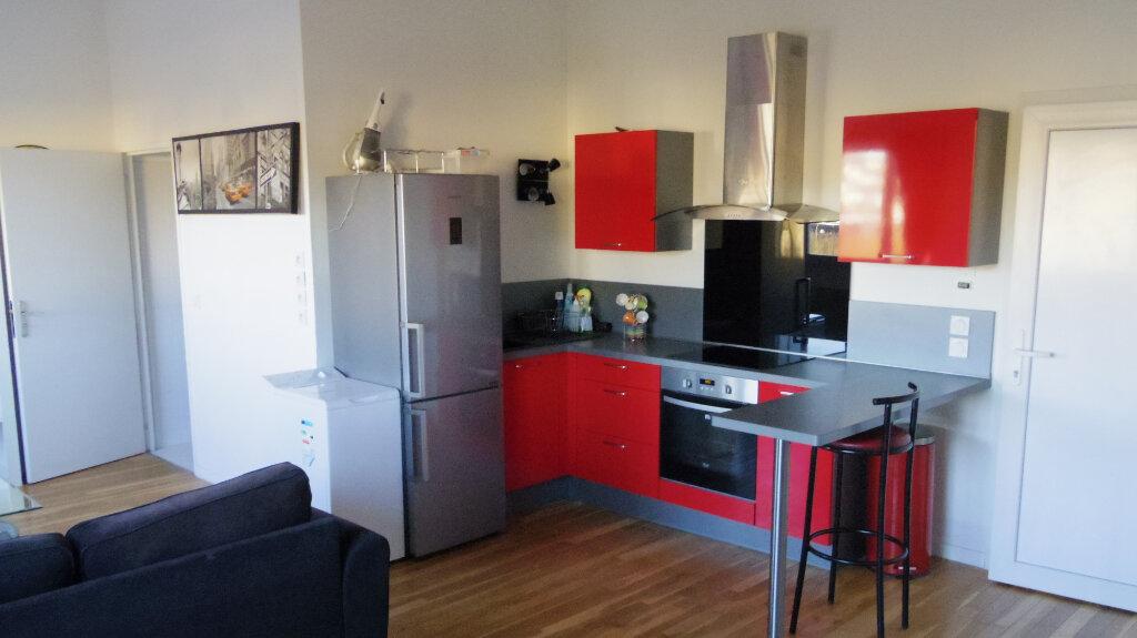 Appartement à louer 2 53m2 à Champagne-sur-Seine vignette-3