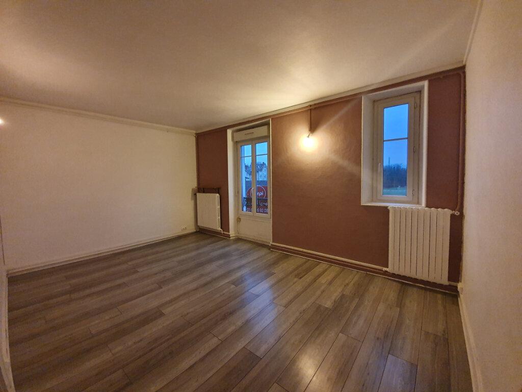 Appartement à louer 4 71m2 à Veneux-les-Sablons vignette-1