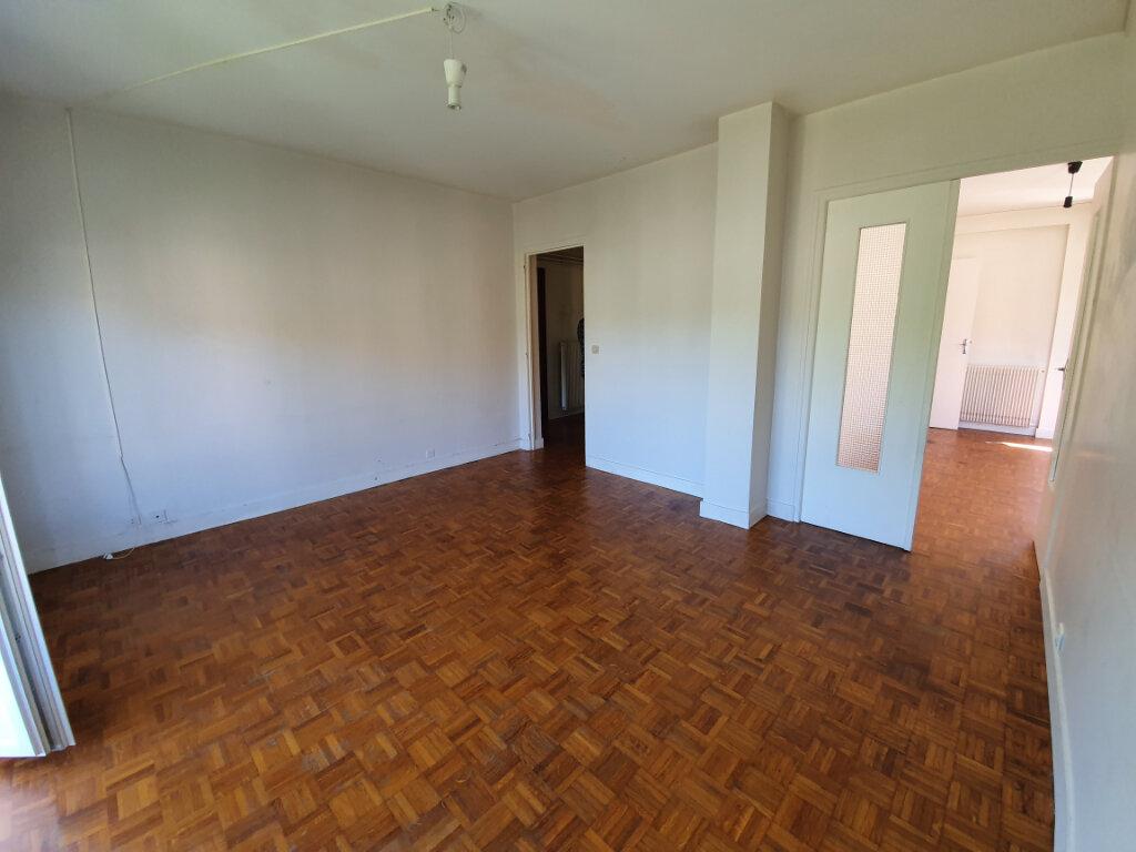 Appartement à louer 4 74m2 à Veneux-les-Sablons vignette-2