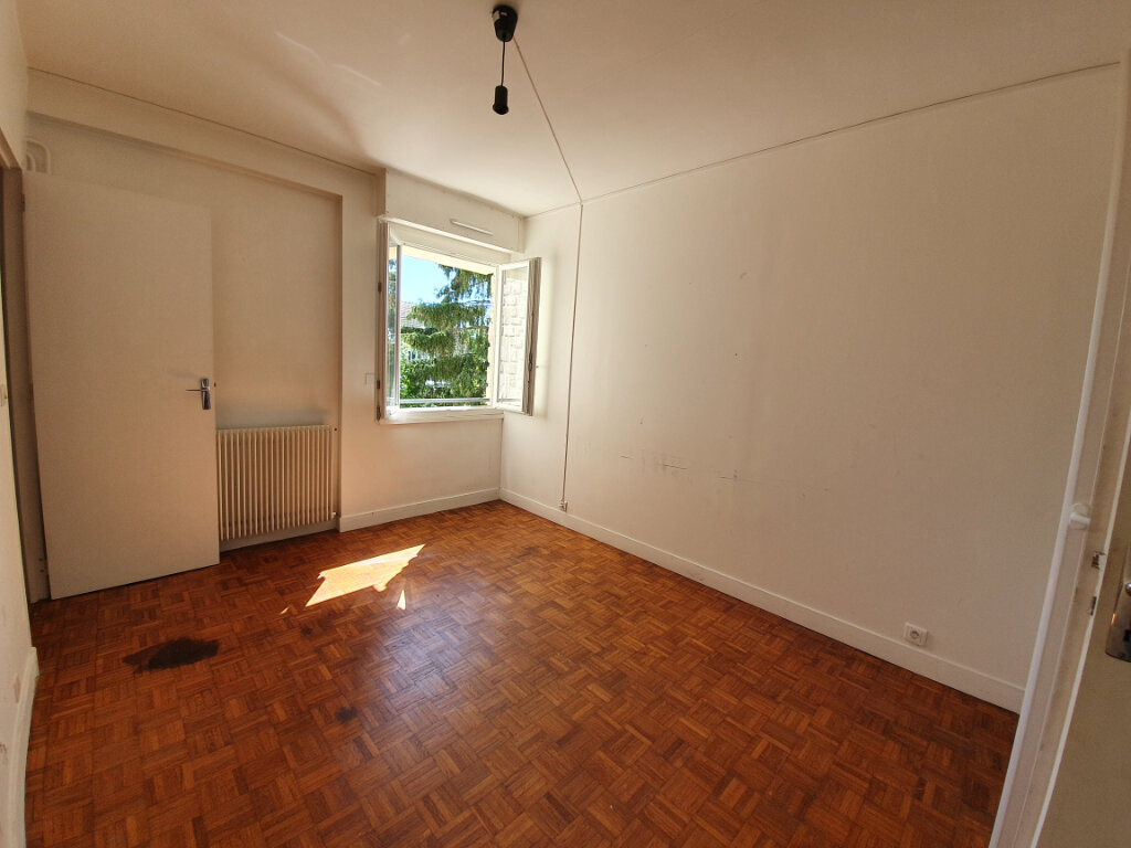 Appartement à louer 4 74m2 à Veneux-les-Sablons vignette-5