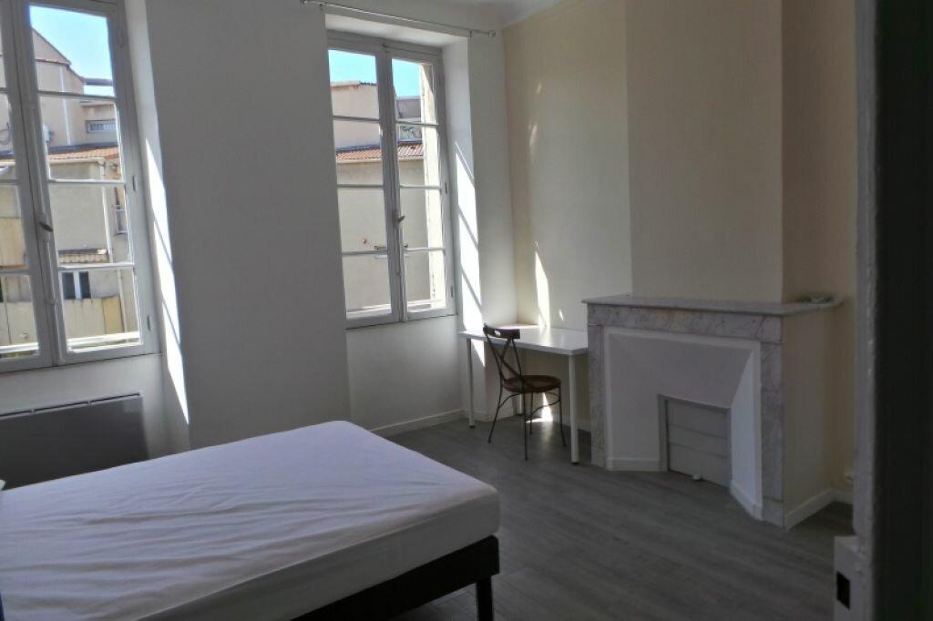 Appartement à louer 3 61m2 à Marseille 6 vignette-3
