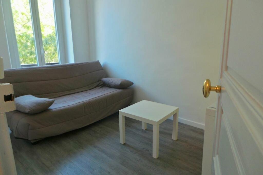 Appartement à louer 3 61m2 à Marseille 6 vignette-4