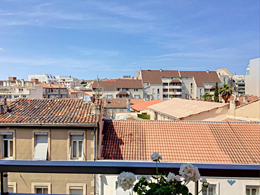 Appartement à vendre 3 68m2 à Marseille 8 vignette-4