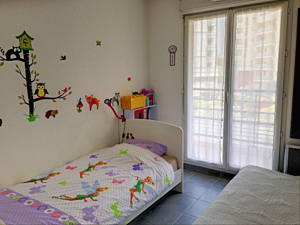 Appartement à vendre 3 68m2 à Marseille 8 vignette-6