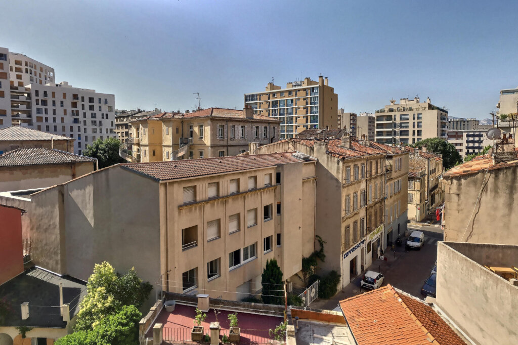 Appartement à louer 3 68m2 à Marseille 6 vignette-2
