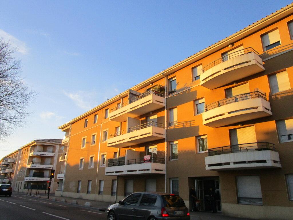 Appartement à louer 2 48.75m2 à Avignon vignette-2