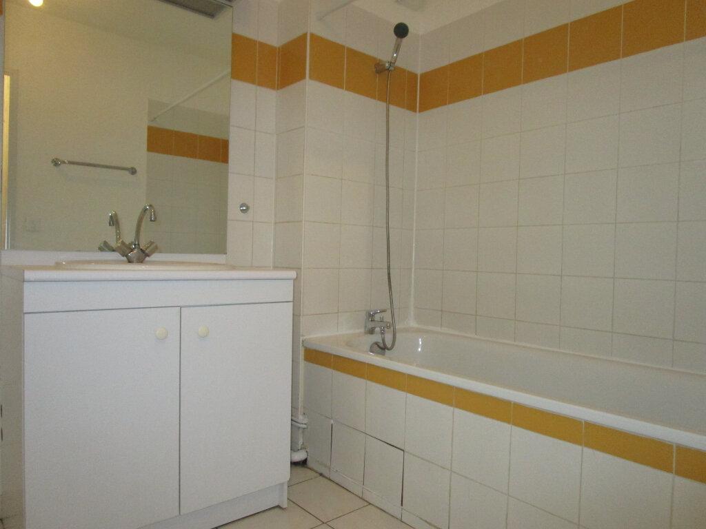 Appartement à louer 2 48.75m2 à Avignon vignette-4