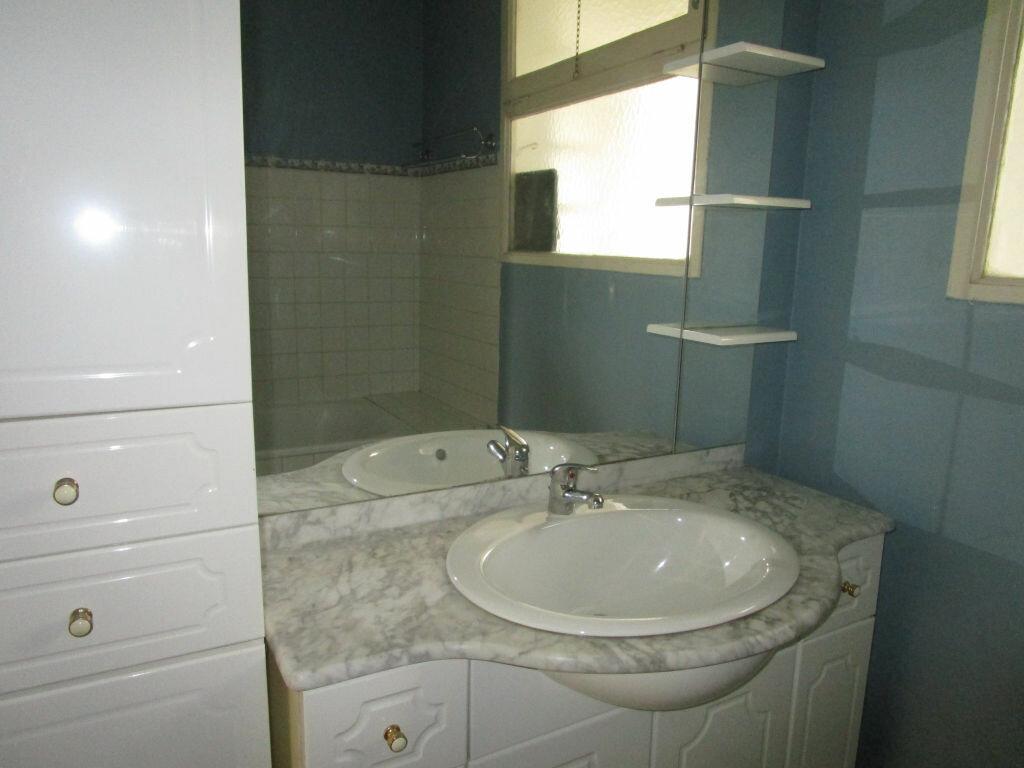 Appartement à louer 3 64.28m2 à Montfavet - Avignon vignette-6