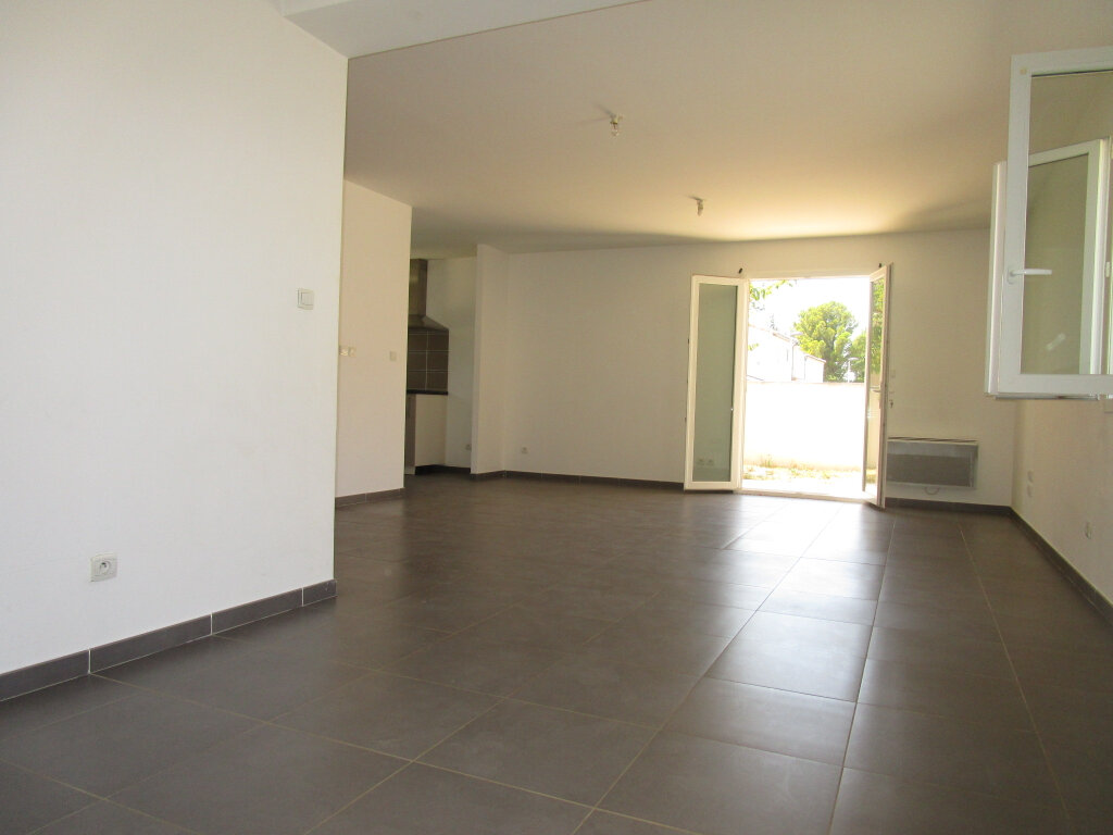 Maison à louer 4 83.4m2 à Montfavet - Avignon vignette-6