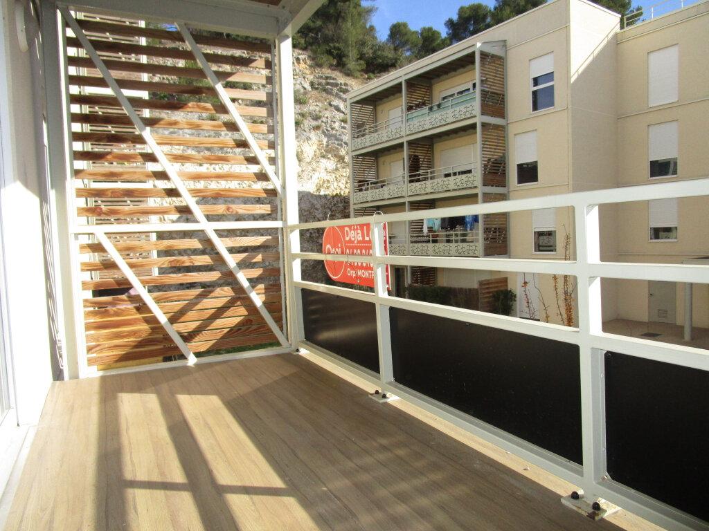 Appartement à louer 3 61.4m2 à Avignon vignette-3
