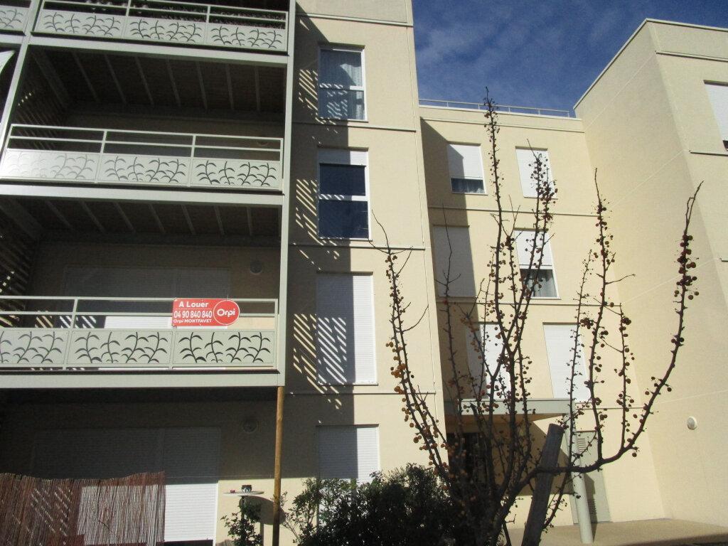Appartement à louer 3 61.4m2 à Avignon vignette-5