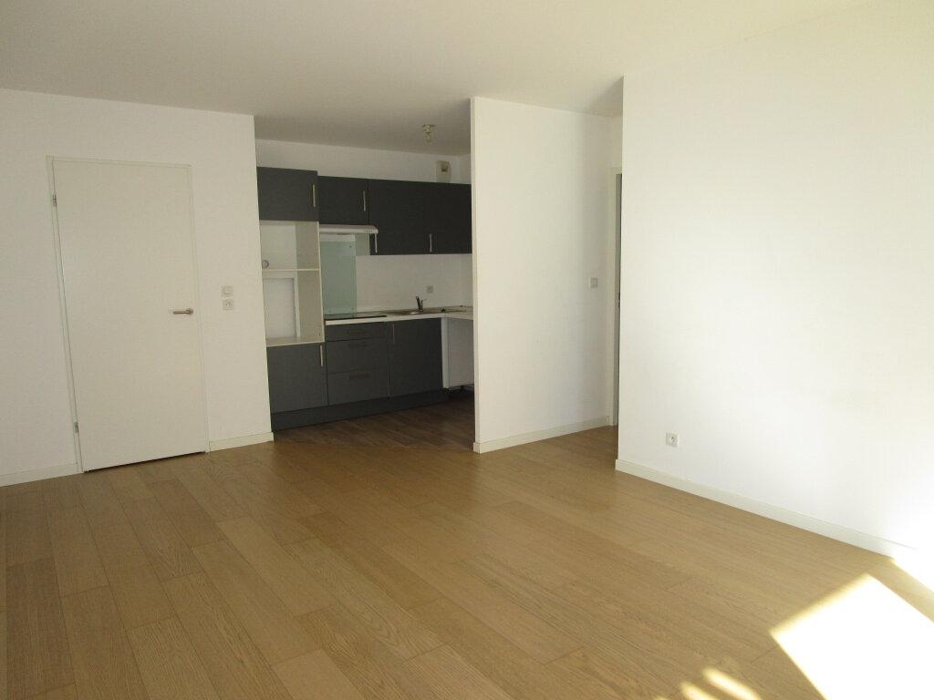 Appartement à louer 3 61.4m2 à Avignon vignette-9