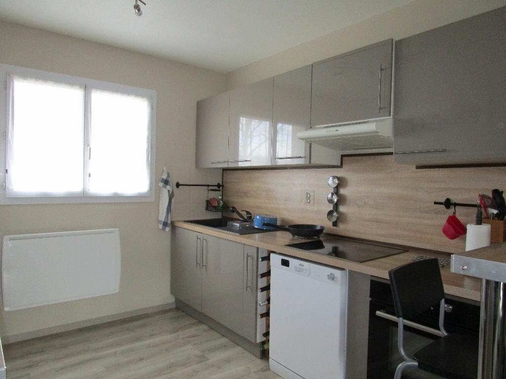 Maison à louer 3 69.79m2 à Morières-lès-Avignon vignette-10
