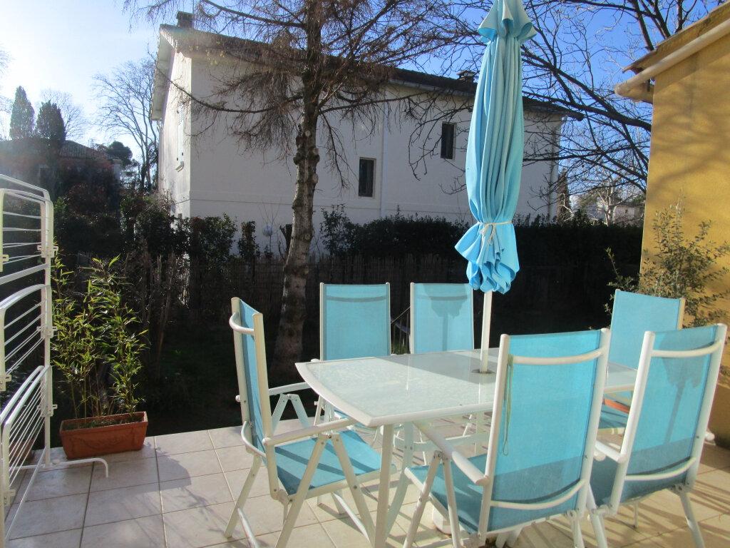 Maison à louer 4 92m2 à Montfavet - Avignon vignette-1