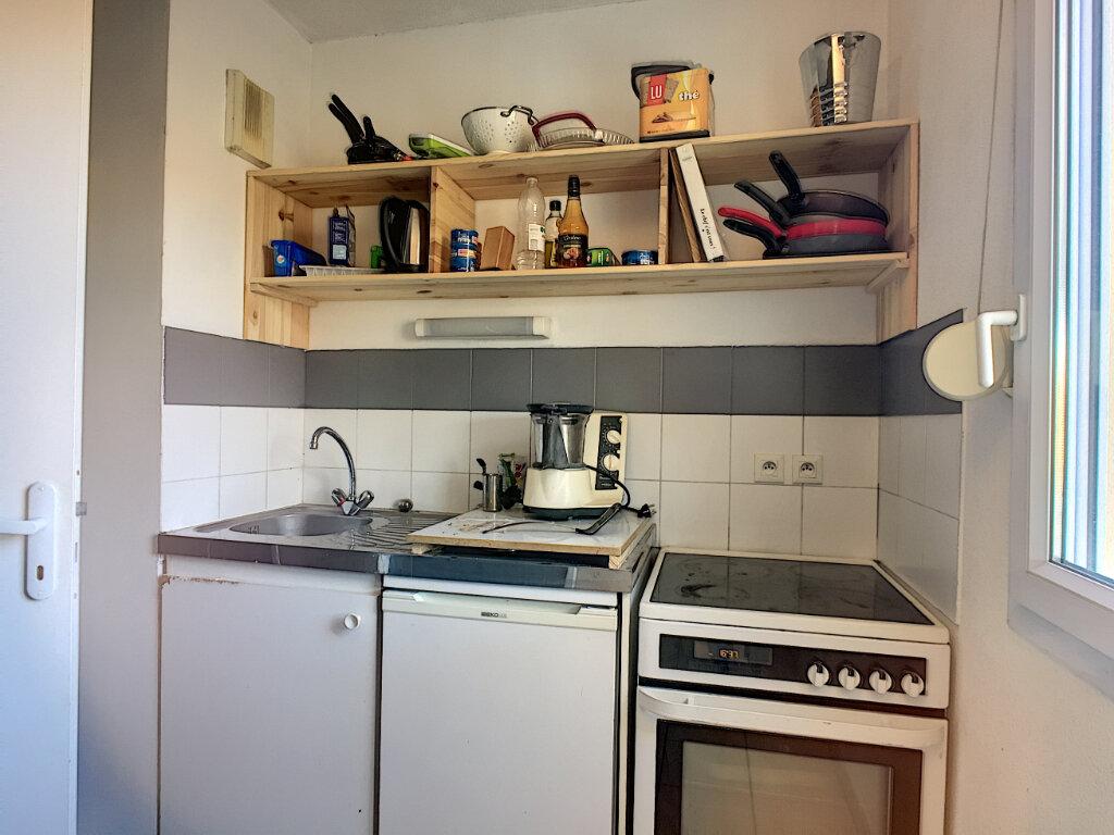 Appartement à vendre 2 47m2 à Montfavet - Avignon vignette-5