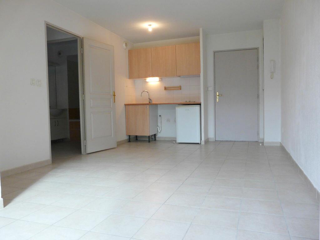 Appartement à vendre 2 35m2 à Montfavet - Avignon vignette-2