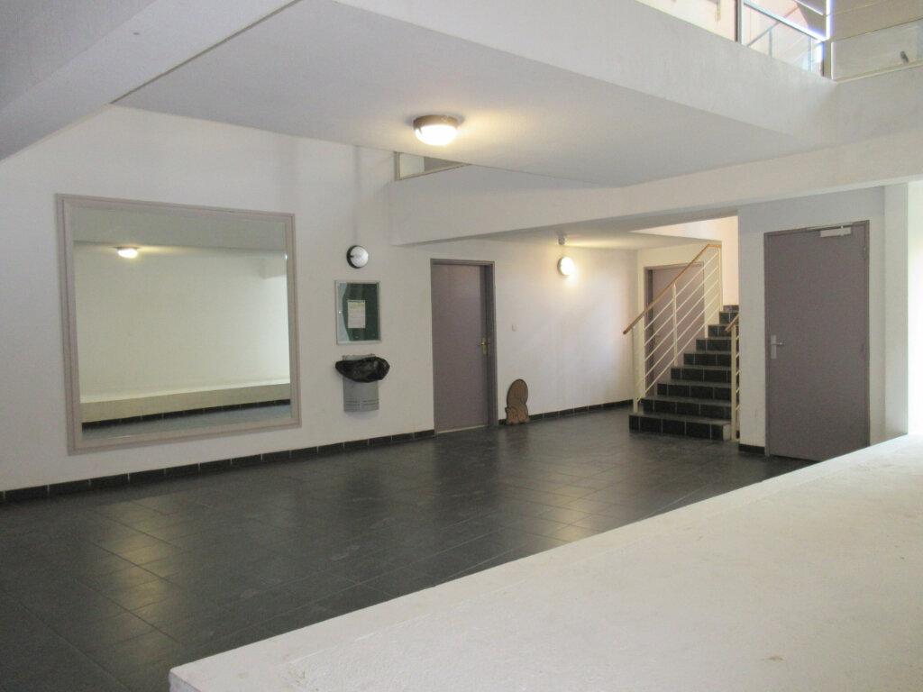 Appartement à vendre 3 54m2 à Montfavet - Avignon vignette-2