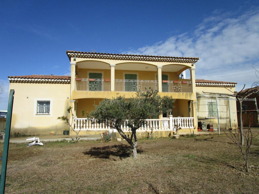 Maison à vendre 6 176.91m2 à Morières-lès-Avignon vignette-1