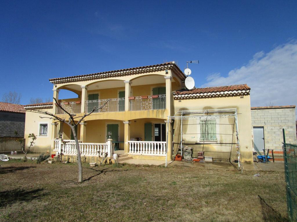 Maison à vendre 6 176.91m2 à Morières-lès-Avignon vignette-2