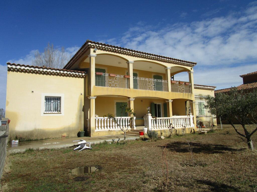 Maison à vendre 6 176.91m2 à Morières-lès-Avignon vignette-3