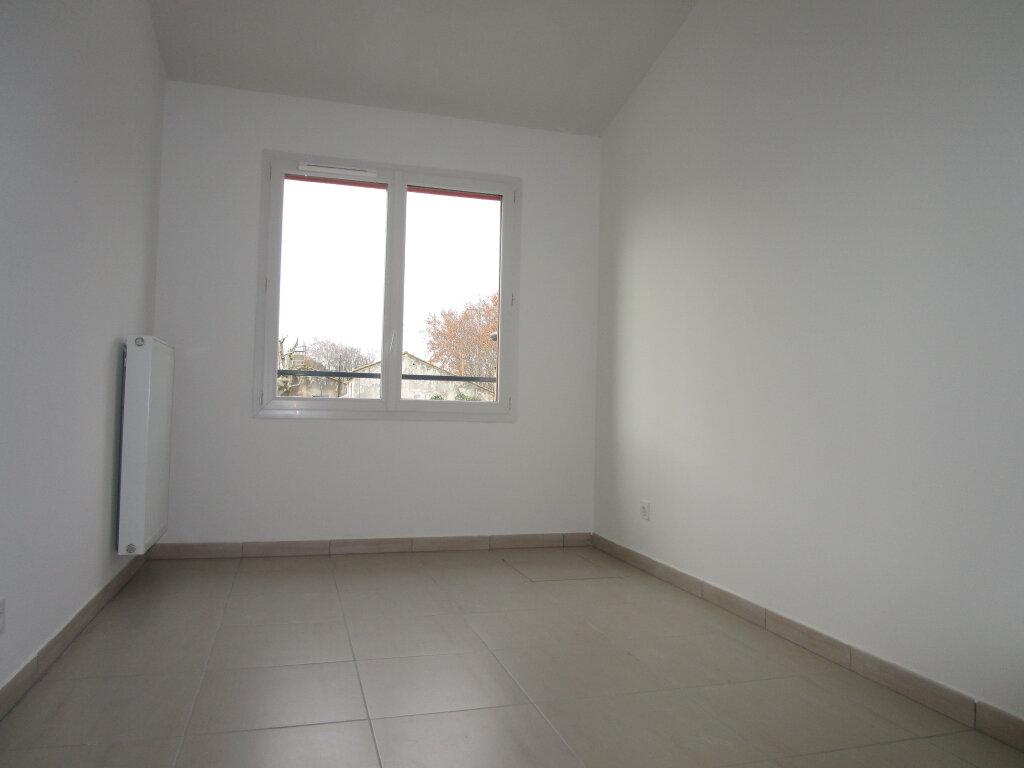 Maison à louer 4 80.15m2 à Montfavet - Avignon vignette-11
