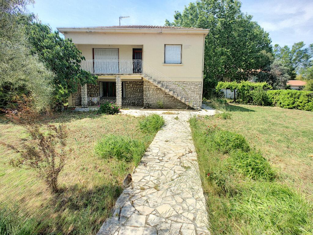 Maison à vendre 6 152.7m2 à Montfavet - Avignon vignette-2