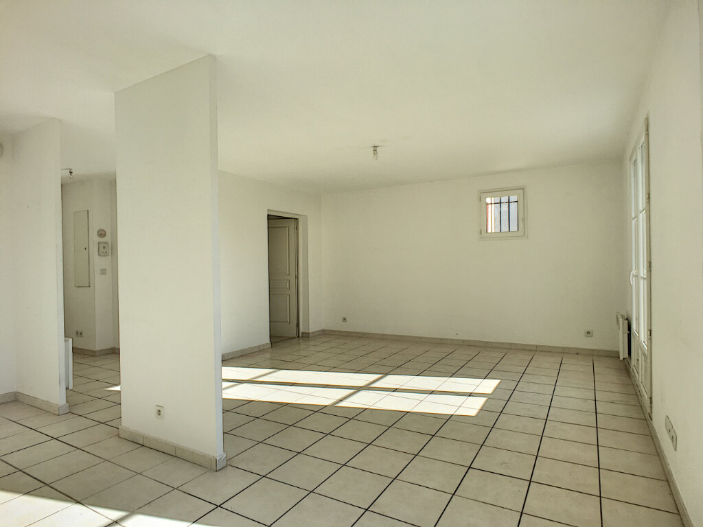 Appartement à vendre 3 66m2 à Montfavet - Avignon vignette-3