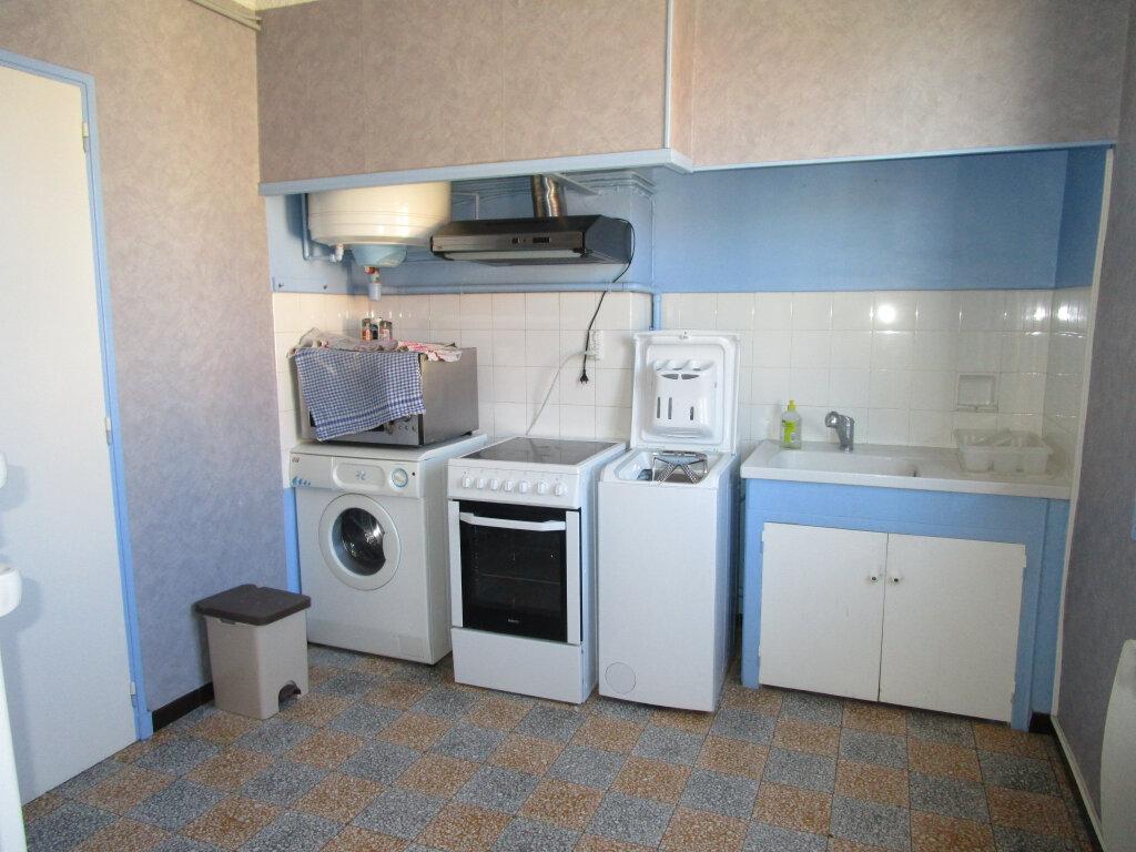 Appartement à louer 3 76.89m2 à Avignon vignette-3