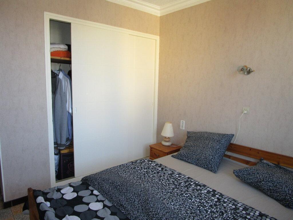Appartement à louer 3 76.89m2 à Avignon vignette-5