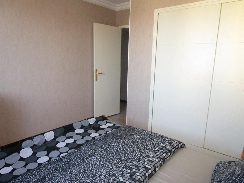 Appartement à louer 3 76.89m2 à Avignon vignette-6