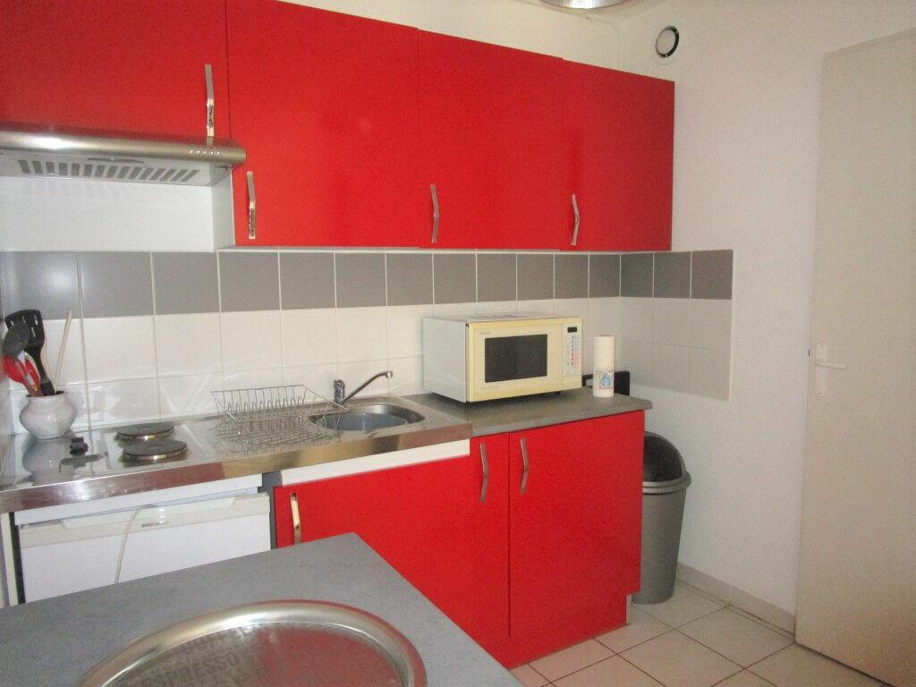 Appartement à louer 3 54.76m2 à Avignon vignette-3