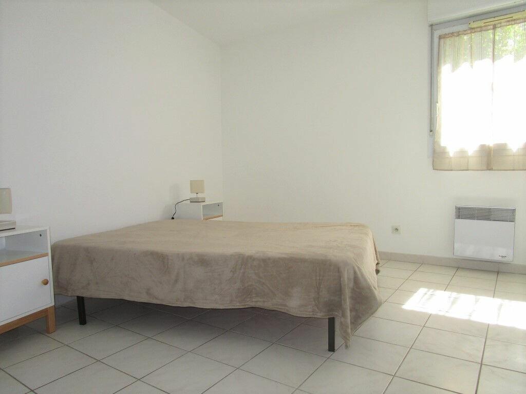 Appartement à louer 3 54.76m2 à Avignon vignette-7