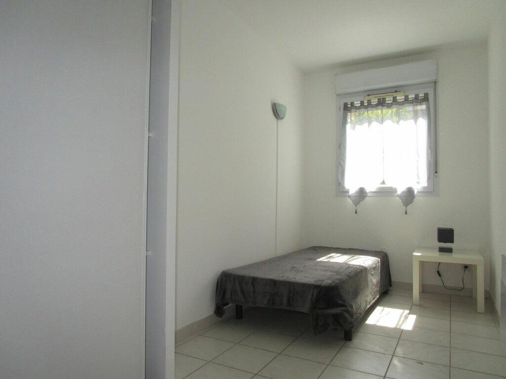 Appartement à louer 3 54.76m2 à Avignon vignette-10