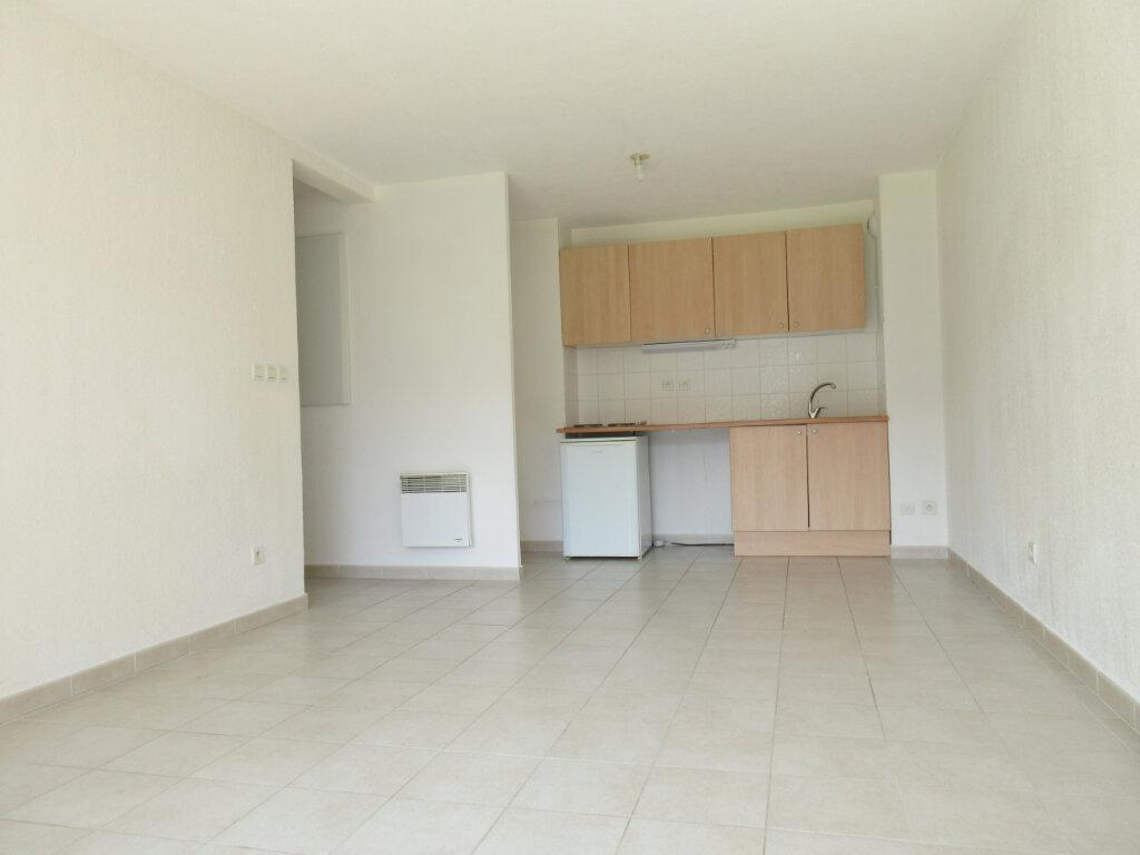 Appartement à vendre 3 53.64m2 à Montfavet - Avignon vignette-3