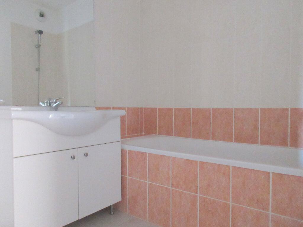 Appartement à vendre 3 53.64m2 à Montfavet - Avignon vignette-8