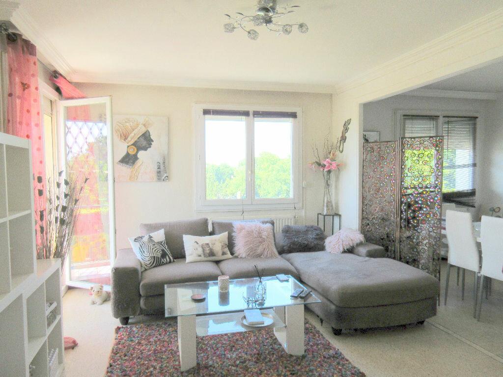 Appartement à vendre 3 60.65m2 à Montfavet - Avignon vignette-1