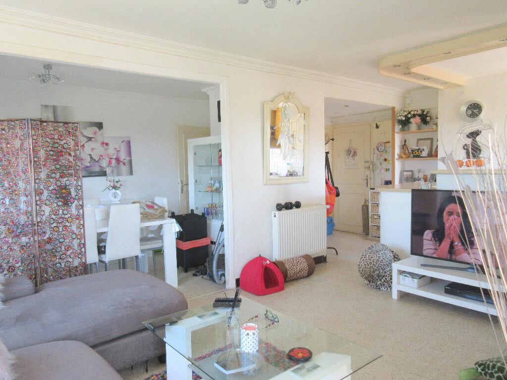 Appartement à vendre 3 60.65m2 à Montfavet - Avignon vignette-3