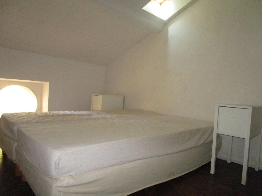 Appartement à louer 2 55.9m2 à Montfavet - Avignon vignette-4