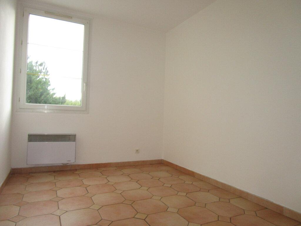 Appartement à louer 4 65.18m2 à Avignon vignette-10