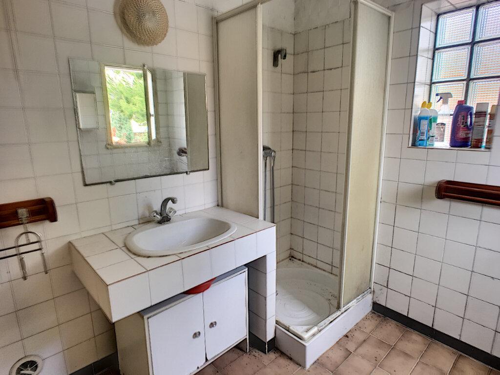 Maison à vendre 4 133.77m2 à Montfavet - Avignon vignette-9