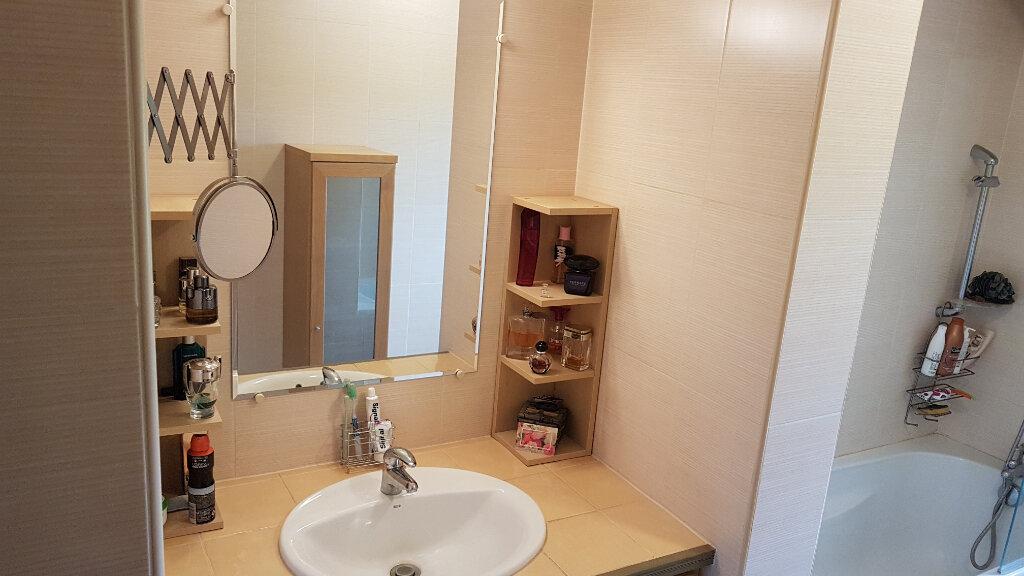 Appartement à louer 3 78m2 à Le Pontet vignette-12