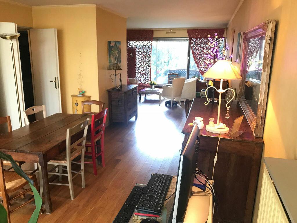 Appartement à vendre 3 71m2 à Créteil vignette-3