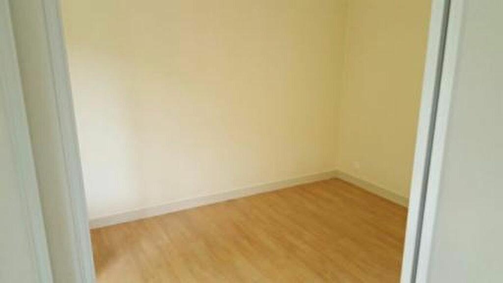 Appartement à louer 2 57m2 à Vienne vignette-3