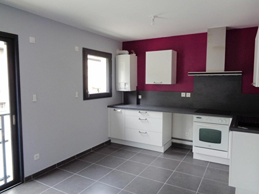 Appartement à louer 2 52.91m2 à Vienne vignette-1