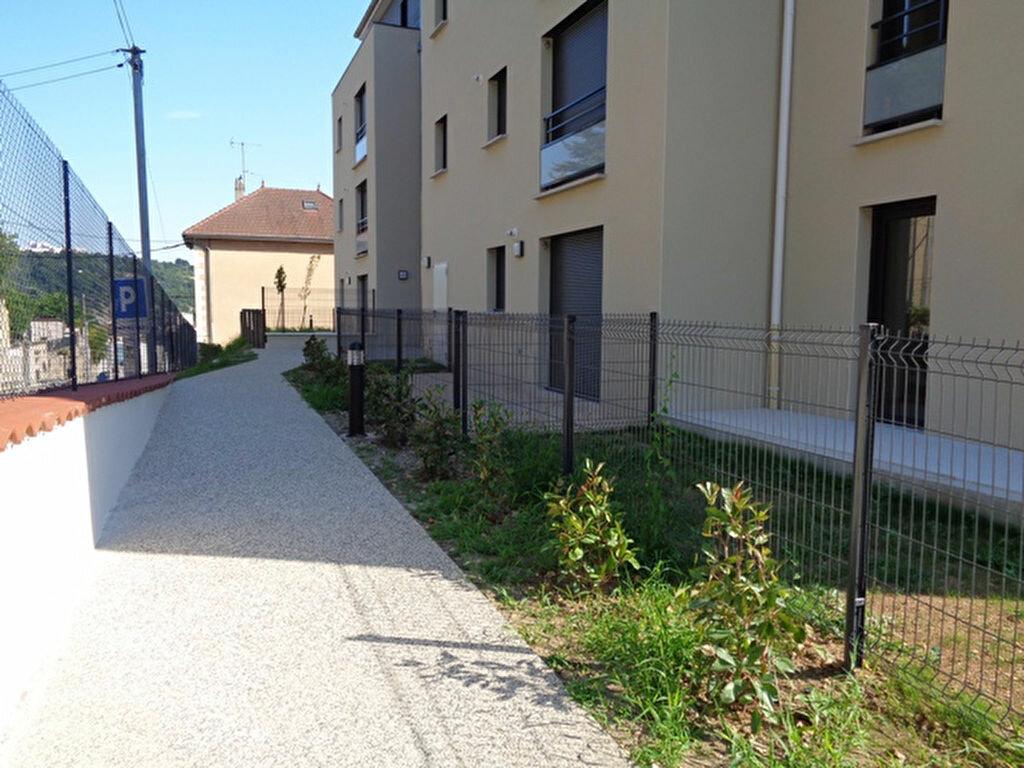 Appartement à louer 2 52.91m2 à Vienne vignette-7
