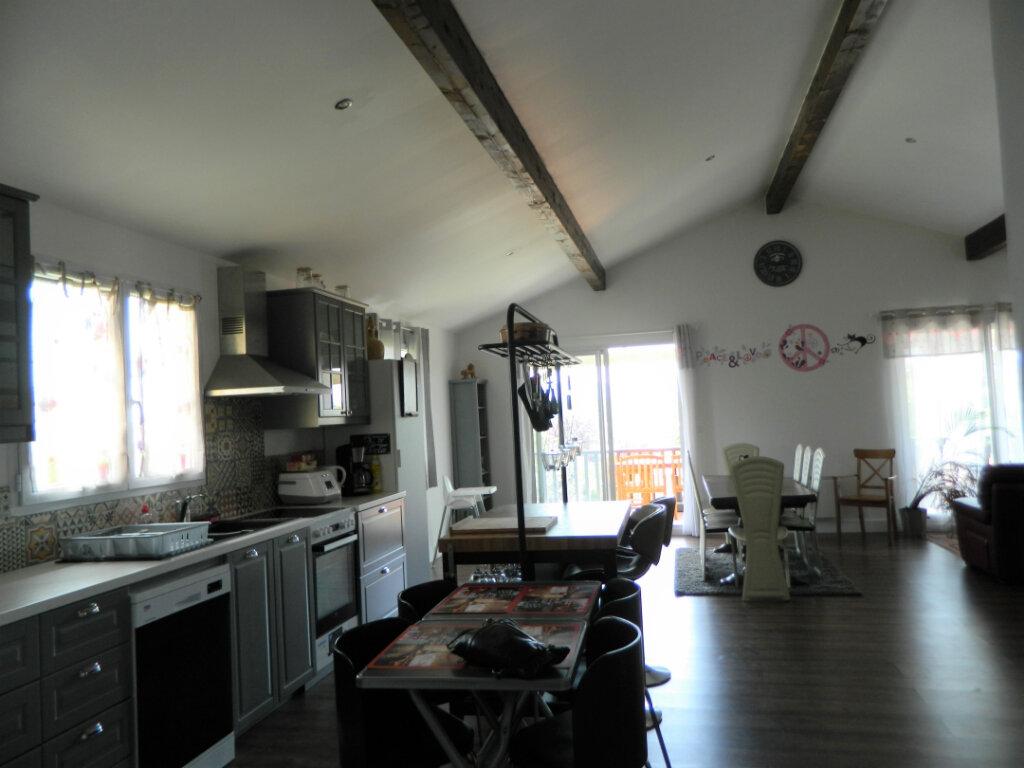 Maison à vendre 8 260m2 à Reventin-Vaugris vignette-2