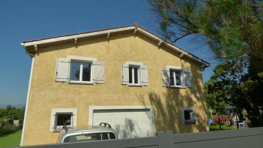 Maison à vendre 8 260m2 à Reventin-Vaugris vignette-4